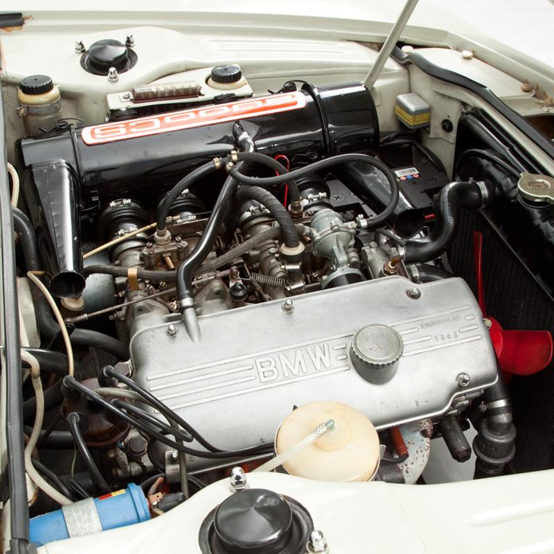 Opumo-BMW2000-2