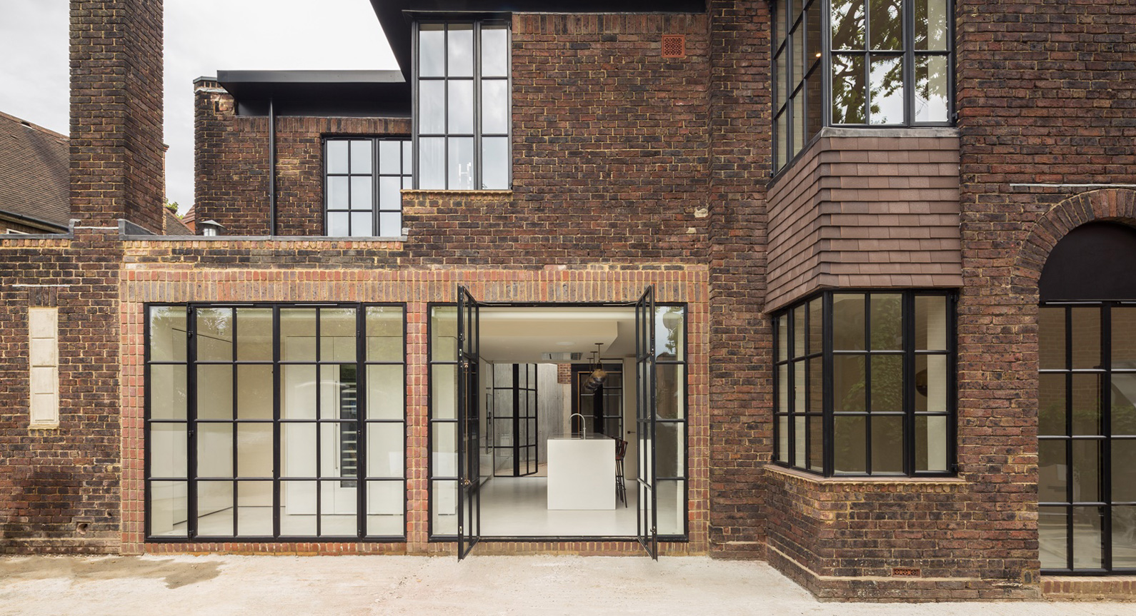 The Hampstead House By Groves Natcheva