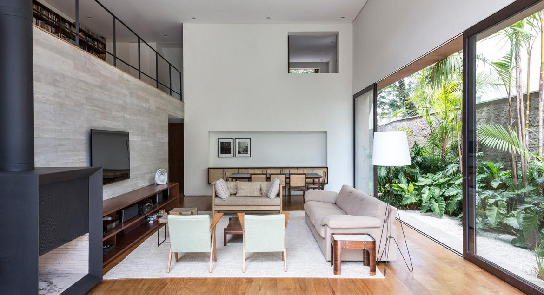 The Pinheiros House by Felipe Hess Arquitetos Is As Good As City Living Gets