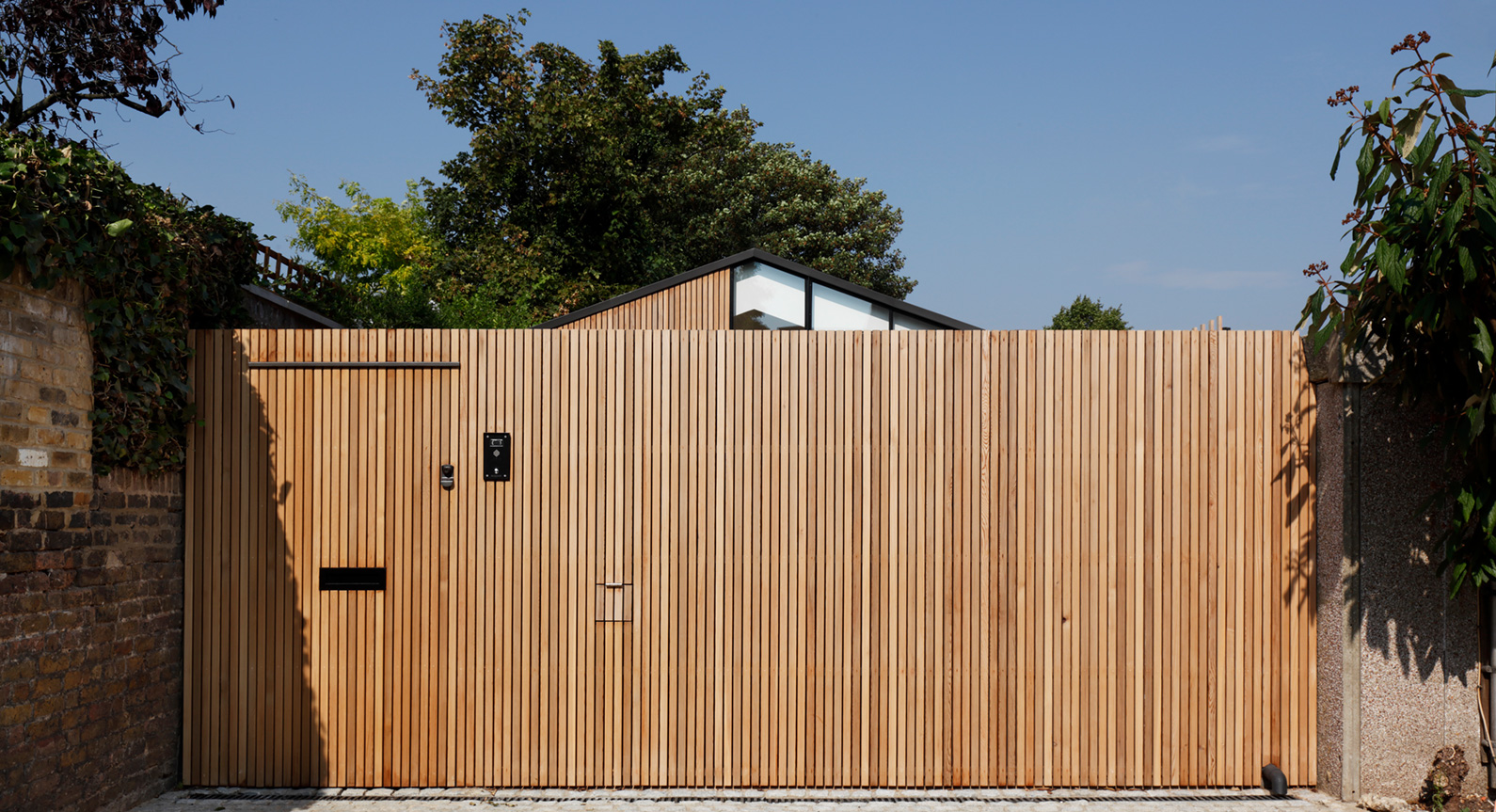 De Rosee Sa Transform Forgotten Garage Into An Incredible Modern Residence