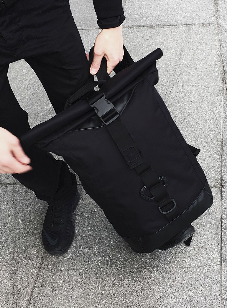 gud_-black_rolltop_bag4