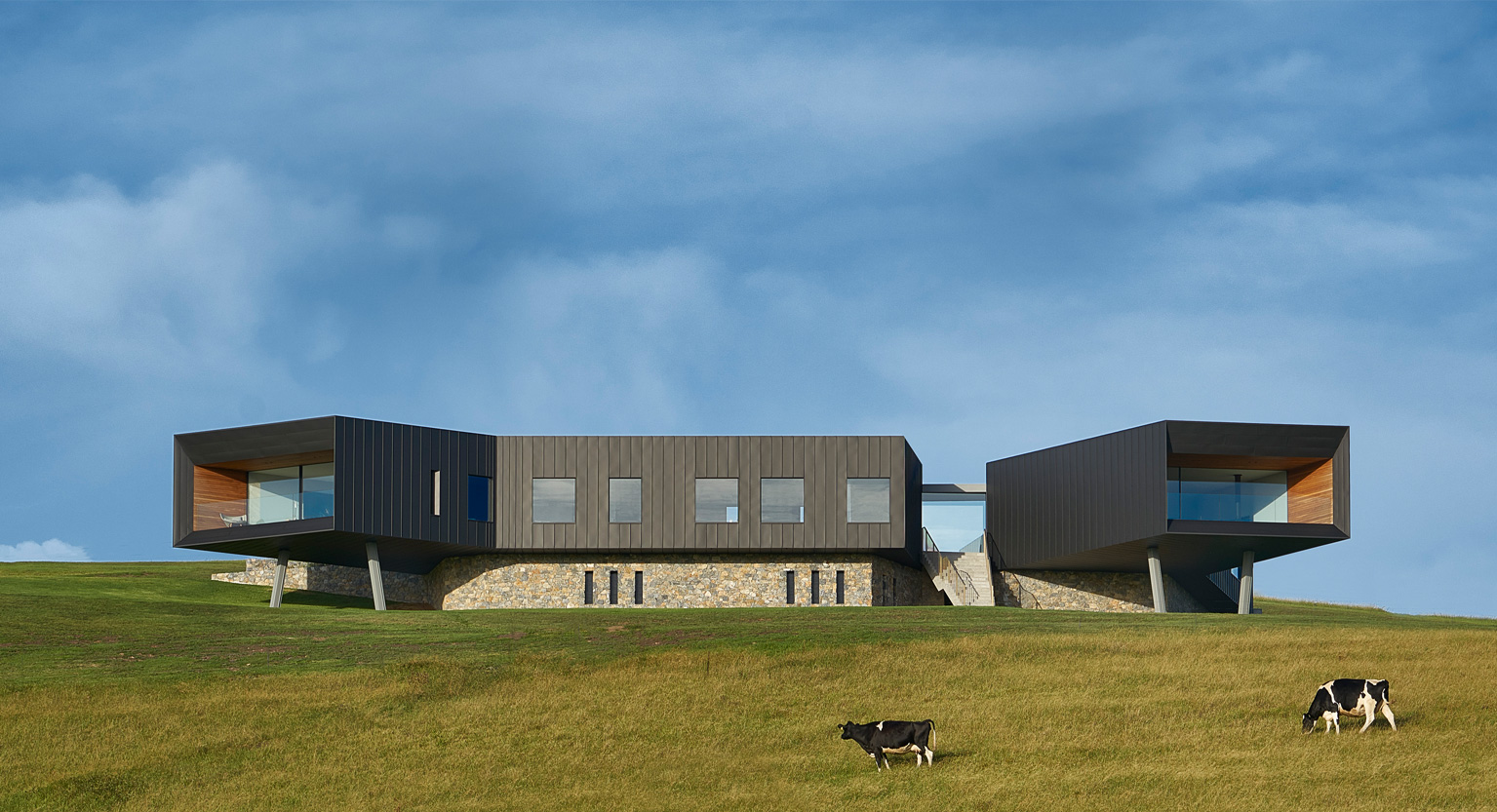 How Farm Buildings Inspired This Idyllic Australian Home From Atelier Andy Carson
