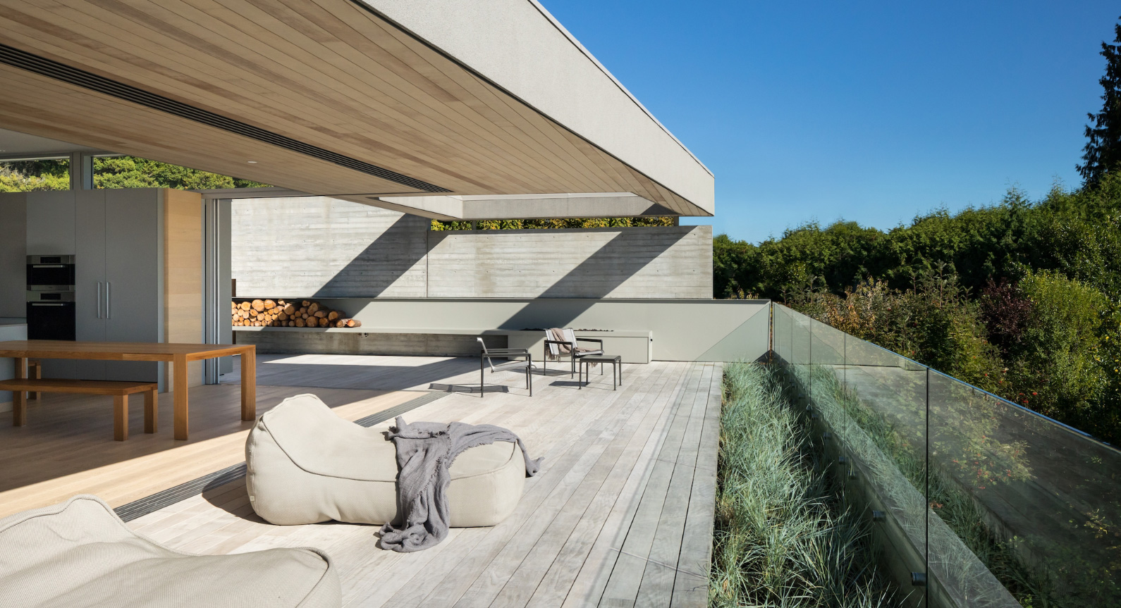 G'Day House by Mcleod Bovell Modern Houses: A Mix Of Light & Privacy
