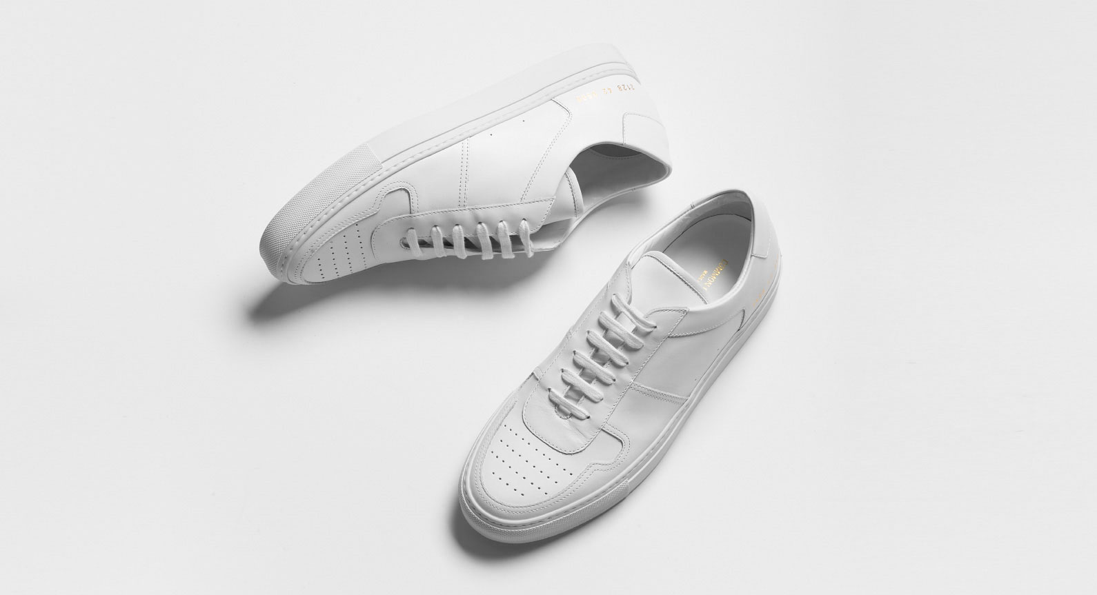 Why You Need A Pair Of Minimalist Sneakers More Than Ever