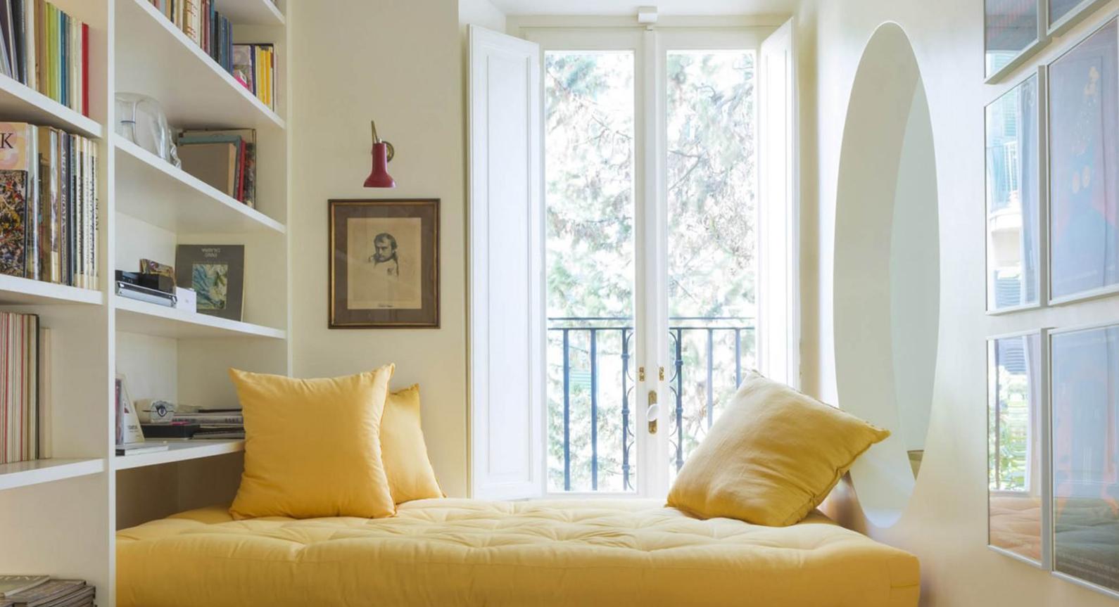 Studio Strato Creates A Unique Reading Area In This Tiny Rome Apartment