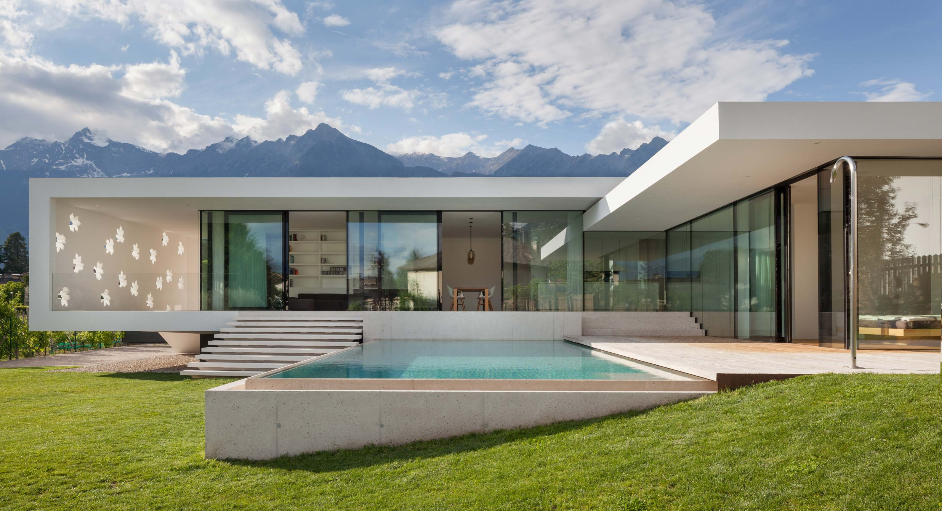 A Modernist Mountain Getaway From monovolume architecture+design
