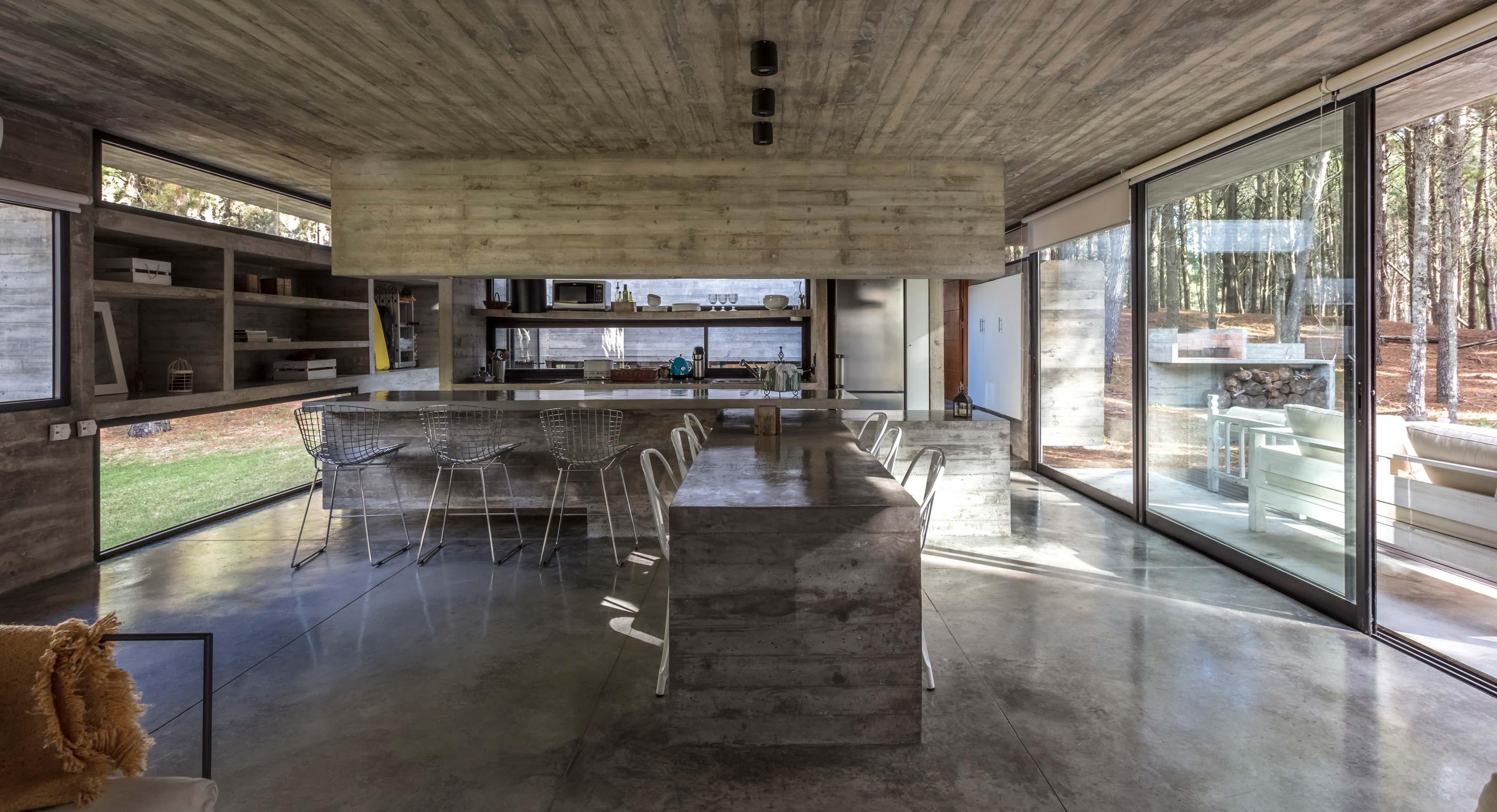 A Look Inside Besonías Almeida Arquitectos' Concrete Summer House