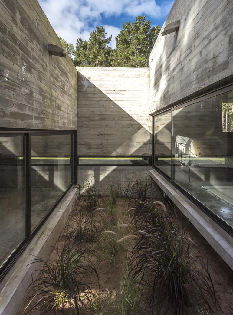 Opumo Concrete Left