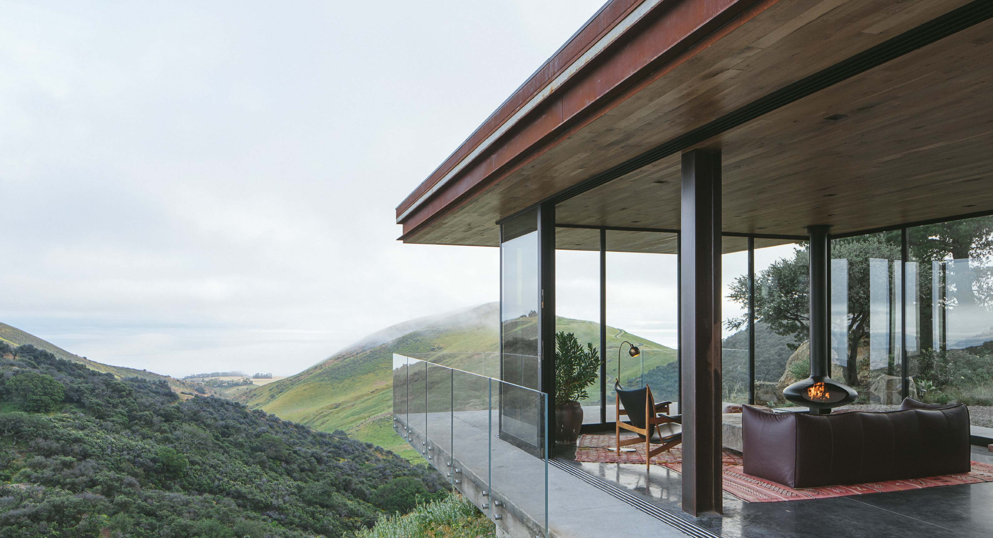Anacapa Architects Off-Grid Guest House Cantilevers Over A Californian Hillside