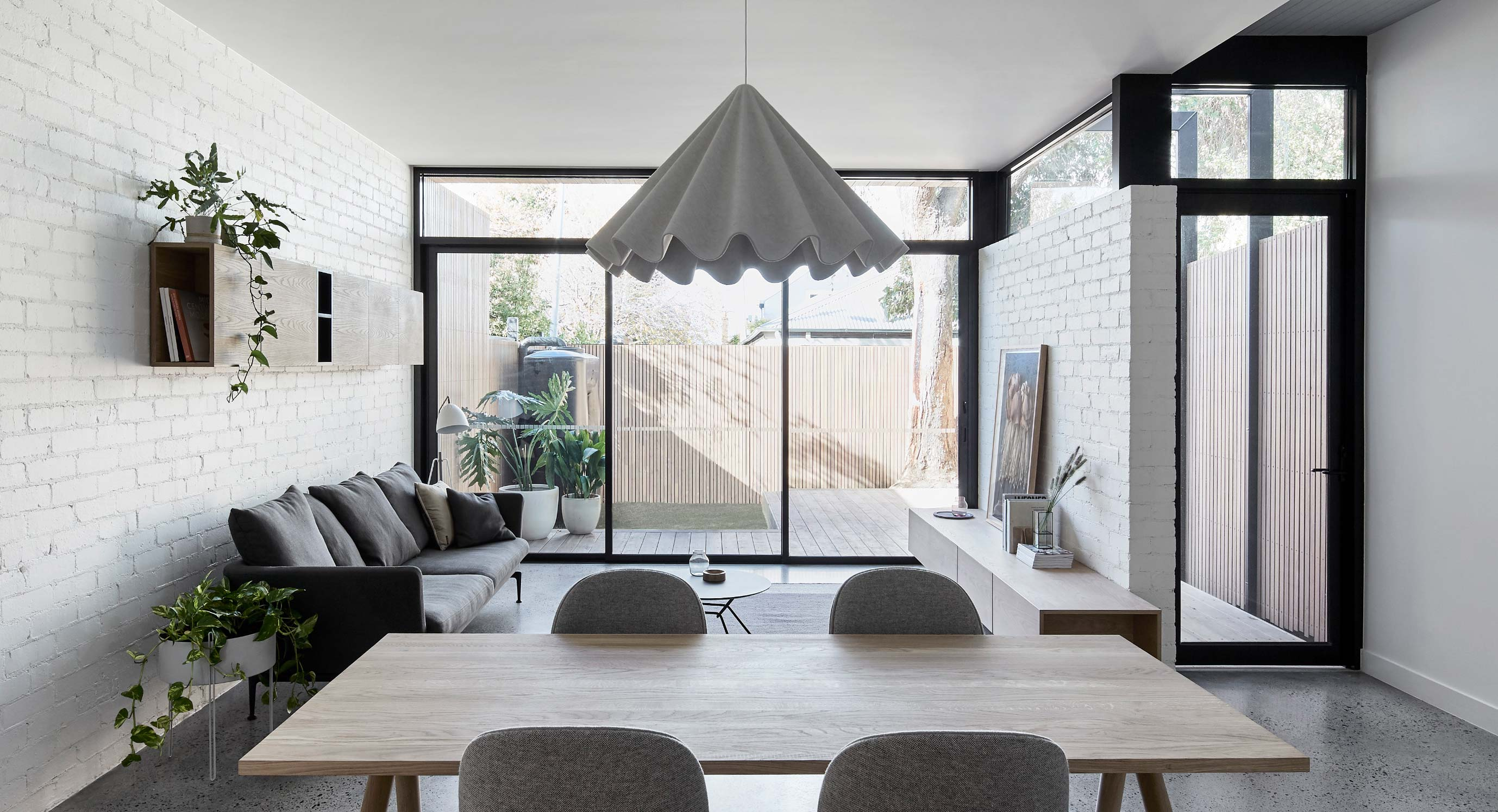 Tom Robertson Architects Adds A Contemporary Twist To This Historic Cottage