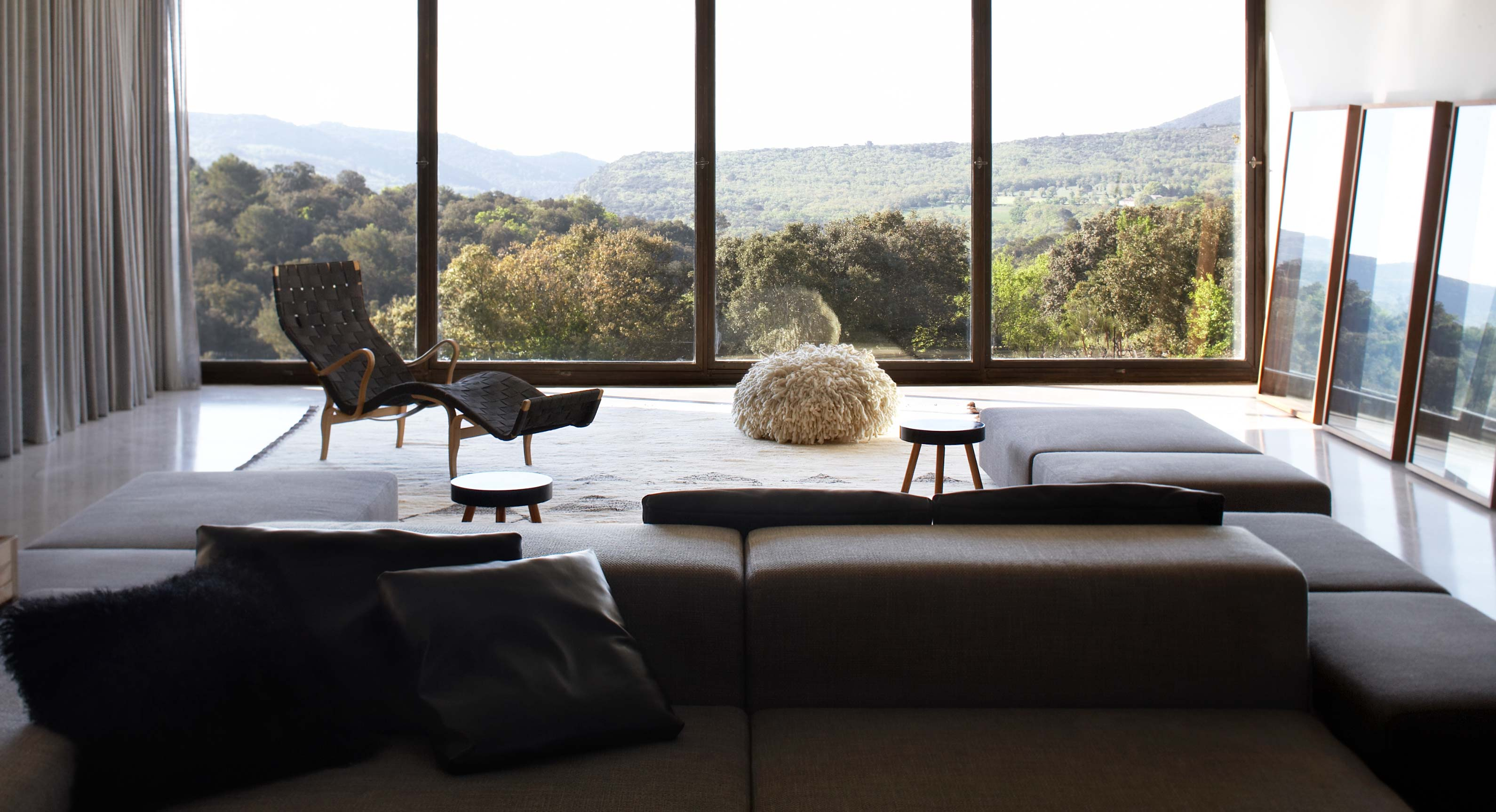 Studio KO's Villa G Sits High Above The Luberon Forest
