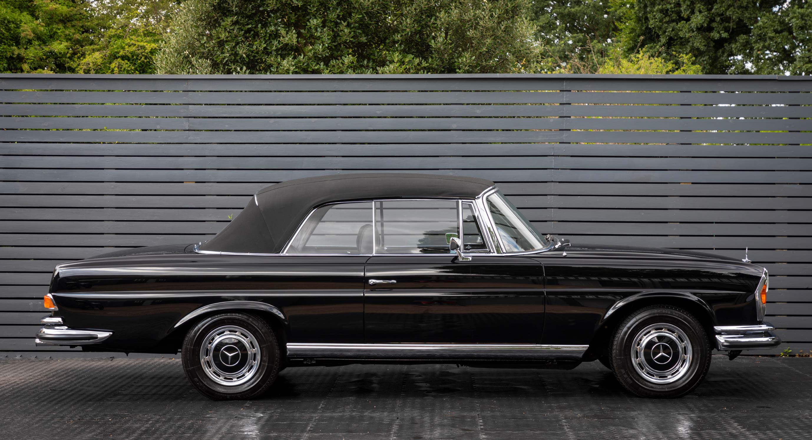 Classic Car Find Of The Week: 1970 Mercedes Benz 280 SE 3.5 Cabriolet