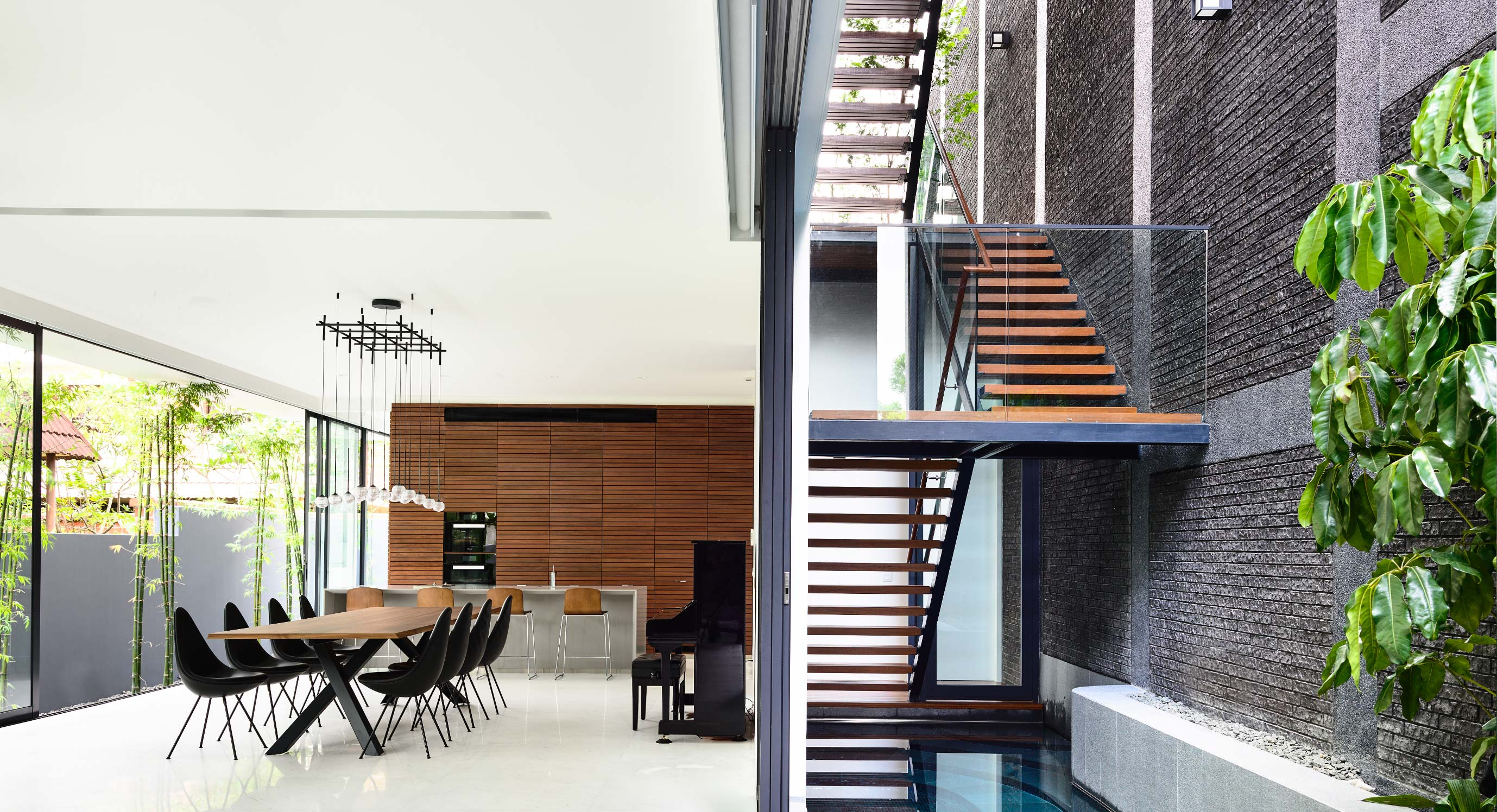 What Lies In The Space Between The Walls By HYLA Architects