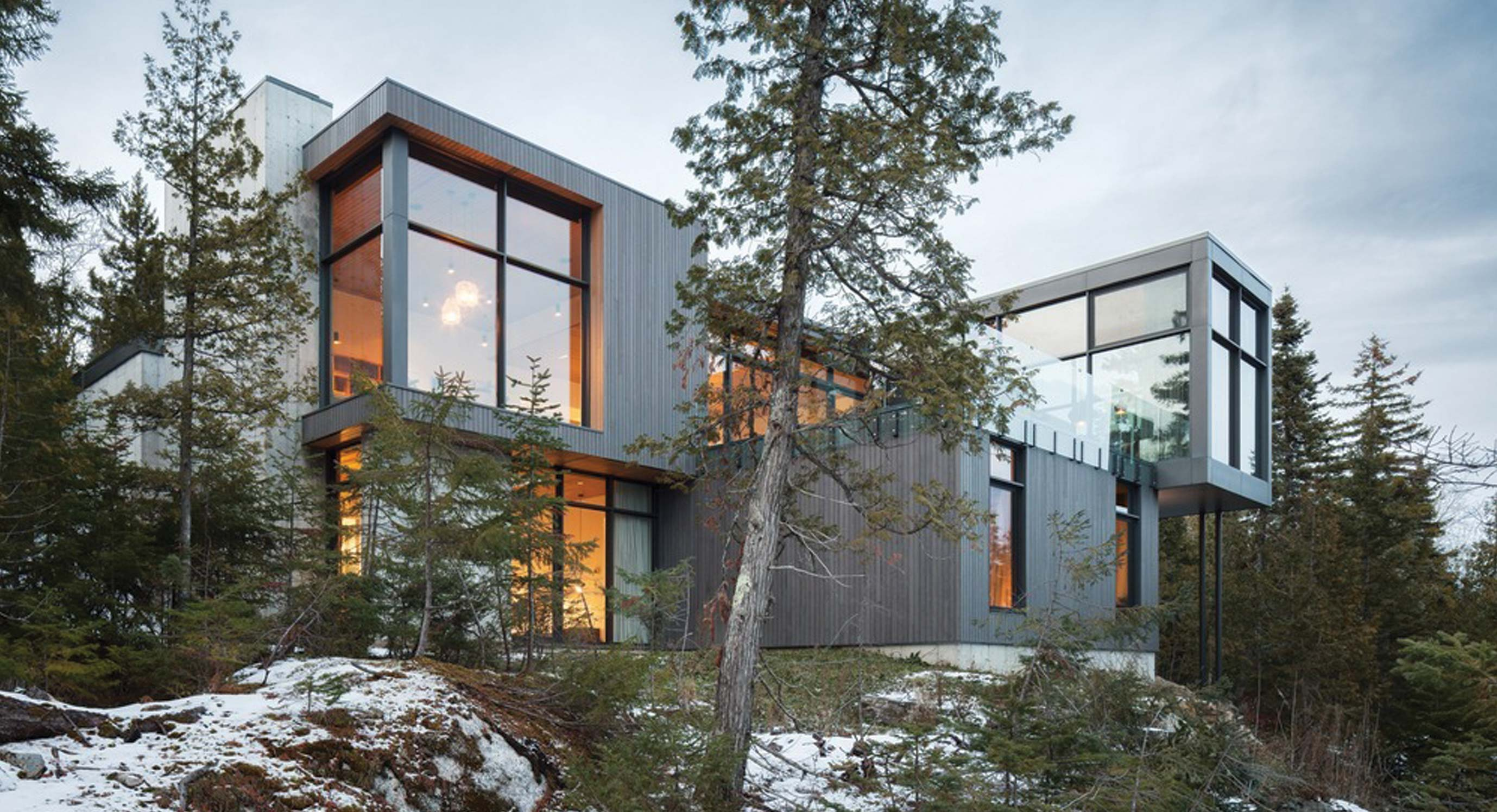 Thellend Fortin Architectes' Long Horizontals House Is a Mountain Haven