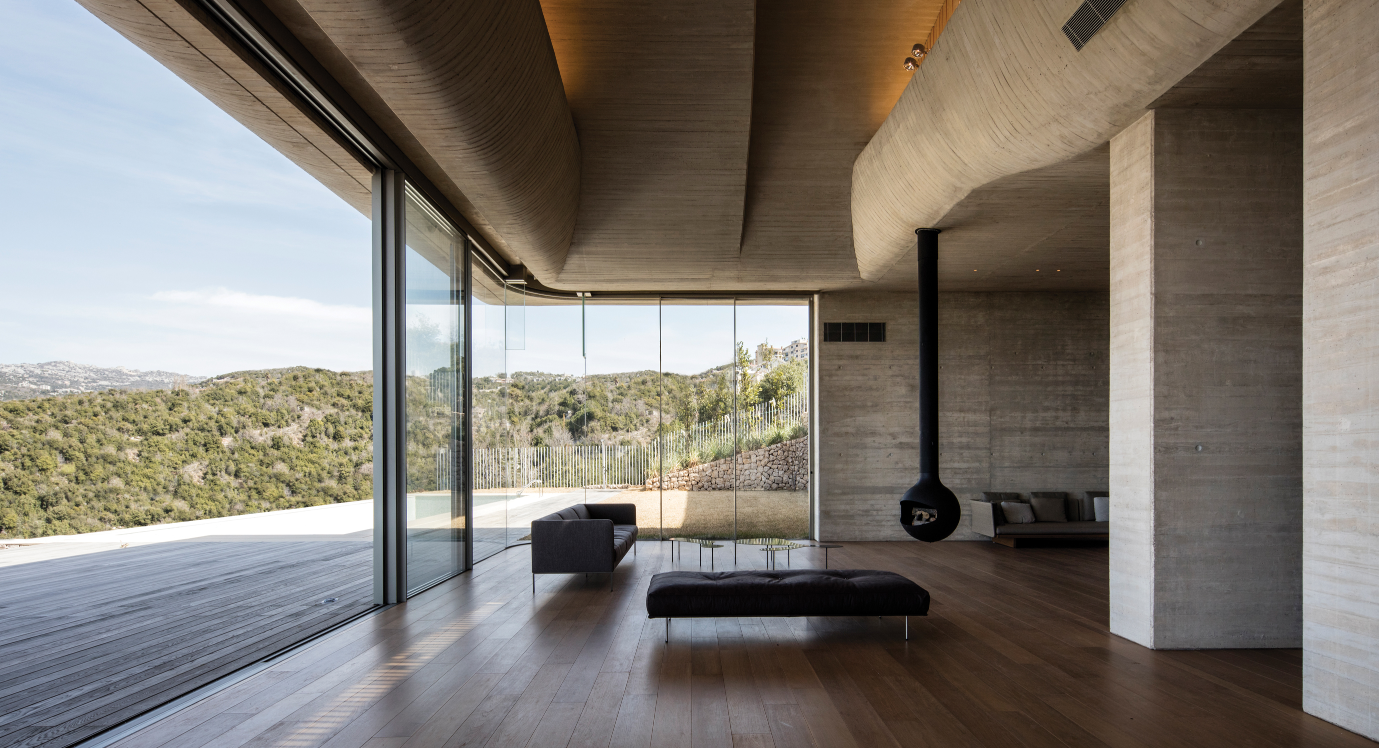 Villa-VR Is A Celebration of Concrete Brutalism