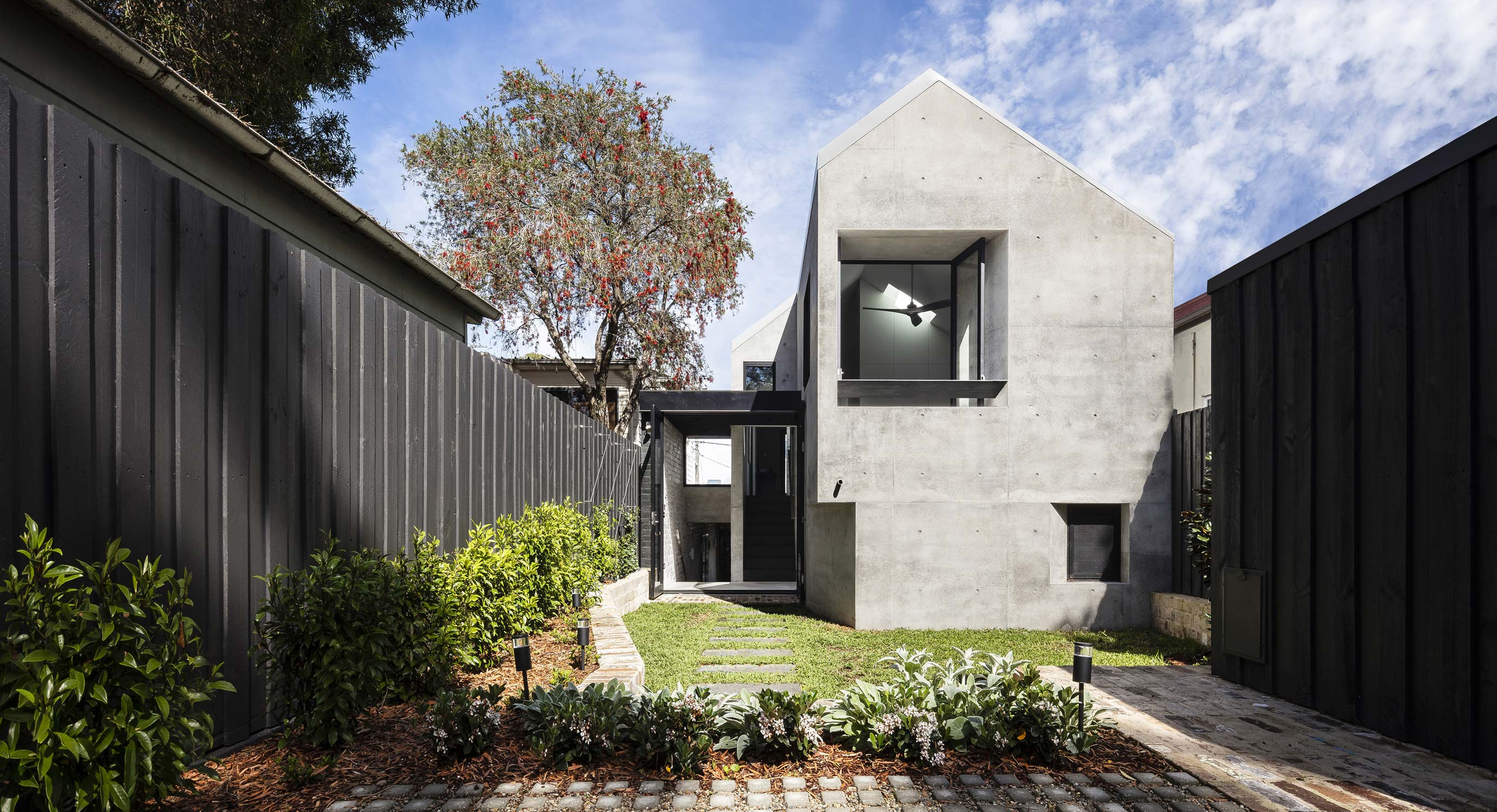 Balmain Rock House Connects Distant Times With Material | OPUMO