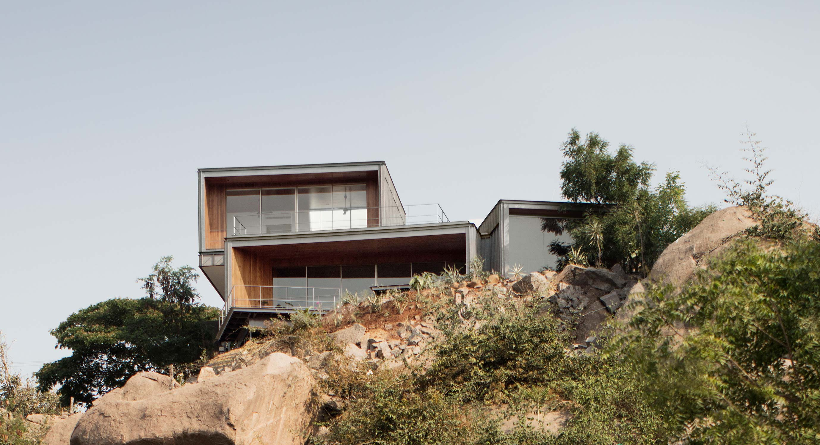 Lakehouse Offers Panoramic Views Of Hyderabad | OPUMO